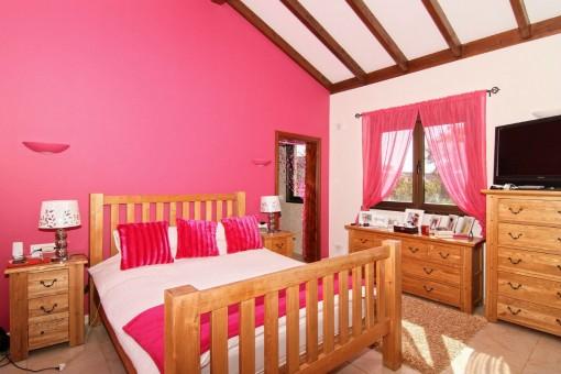 Bedroom with bathroom en-suite