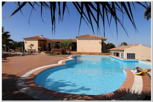 Spacious Villa with large pool terrace and a...
