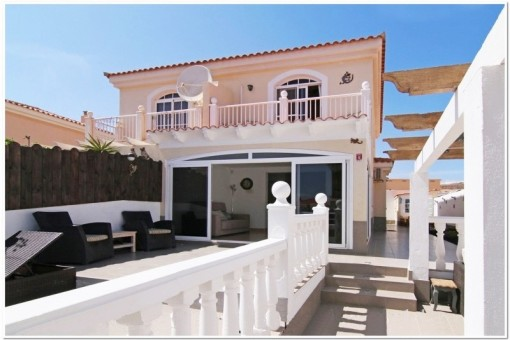 Semi-detached house in the popular area of the Golf Resort Caleta de Fuste, Fuerteventura