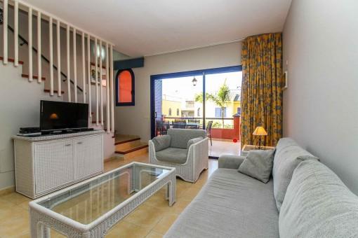 Área de estar con acceso directo a la terraza